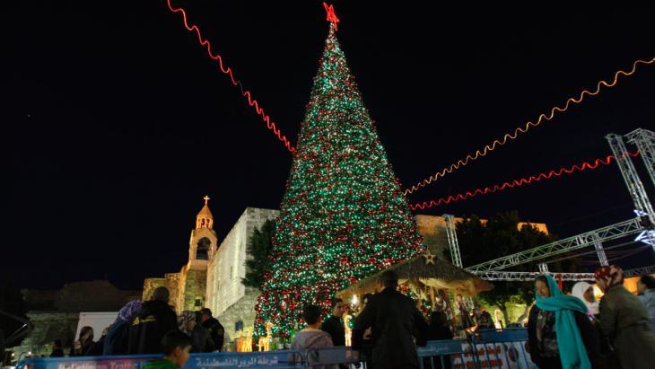 احتفالات عيد الميلاد عند كنيسة المهد في بيت لحم.  Foto: AP