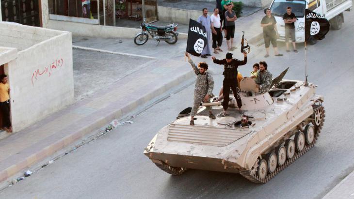 IS-Kämpfer in der nordsyrischen Provinz Rakka; Foto: Reuters