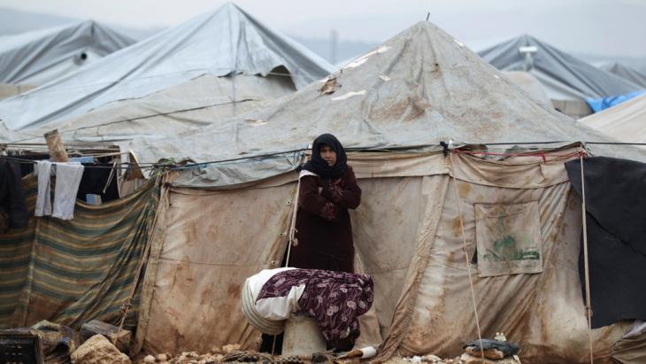 مخيم لللاجئين في الكرامة على الحدود السورية التركية. Foto: Reuters/K. Ashawi