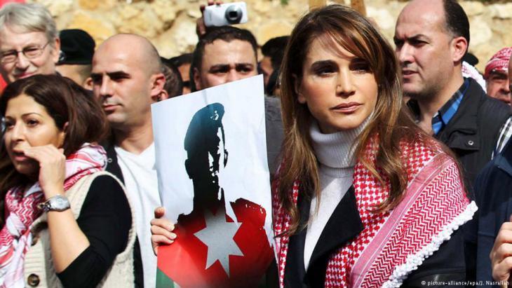 شاركت الملكة رانيا العبد الله أيضا في إحدى المظاهرات احتجاجا على قتل الكساسبة. Foto: picture-alliance/dpa