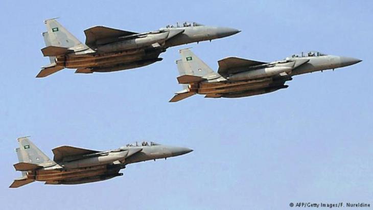 """مقاتلات سعودية ضمن عملية """"عاصفة الحزم"""" العسكرية ضد الحوثي وصالح في اليمن: صراع عربي إيراني"""