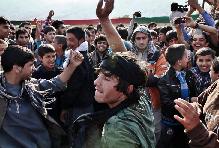 Young men at a hip-hop concert in Kabul (photo: Ronja von Wurmb-Seibel)