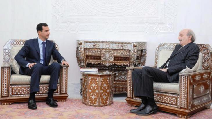 Foto: picture-alliance/dpa لقاء بين الزعيم الدرزي وليد جمبلاط وبشار الأسد الصورة