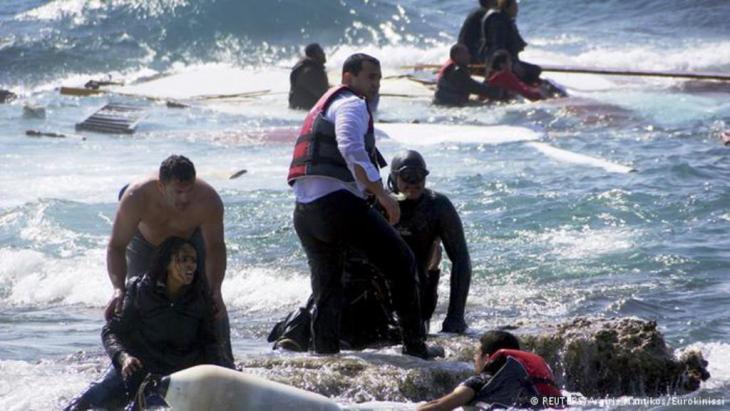 قالت المفوضية العليا للاجئين التابعة للأمم المتحدة اليوم الأحد 19 / 04 / 2015 إن غرق سفينة محملة بمهاجرين من ليبيا قبالة السواحل الليبية قد يكون أدى إلى وفاة 700 شخص غرقا.