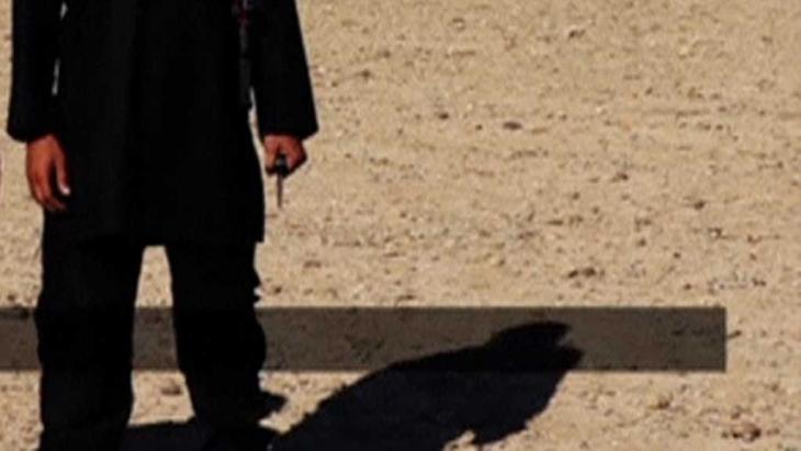 صورة من فيديو قطع رأس ديفيد هينس; Foto: Reuters