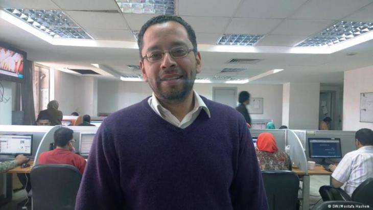 الصحفي عبد الرحمن مصطفى