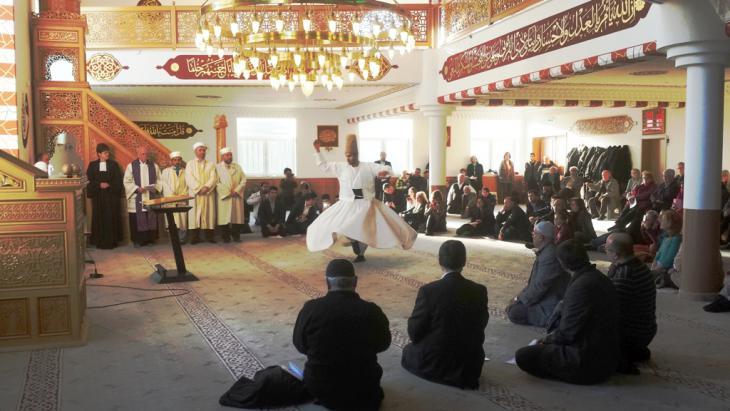 حوار الأديان في مسجد بمدينة ريكلينغهاوزن غرب ألمانيا. Photo: Ibtisam Fawzy