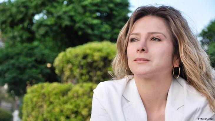 الناشطة والكاتبة السورية سمر يزبك