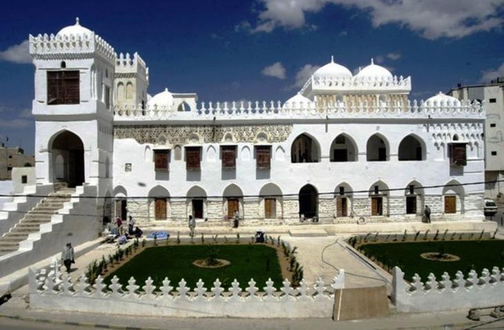 ا لمدرسة العامرية في اليمن. Amiriya_school_Yemen_Wikipedia