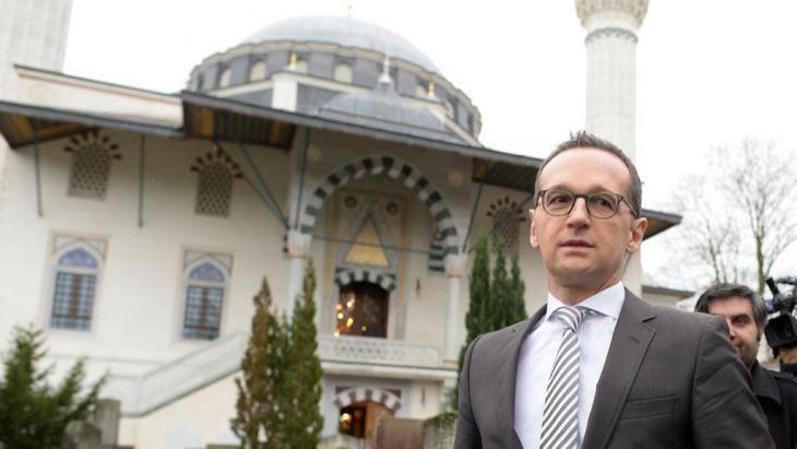 Bundesjustizminister Heiko Maas (SPD) besucht am 09.01.2015 die Sehitlik-Moschee in Berlin; Foto: picture-alliance/dpa/Rainer Jensen
