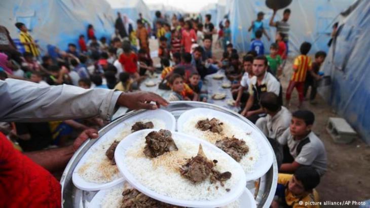 صورة تعبيرية حول الإفطار بعد صيام أحد أيام رمضان