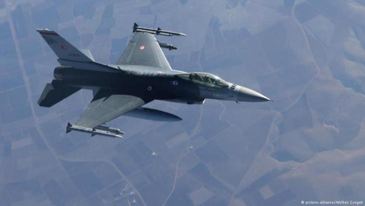 """تركيا تقصف مواقع تنظيم """"الدولة الإسلامية"""" في سوريا. Foto: Picture-Alliance"""