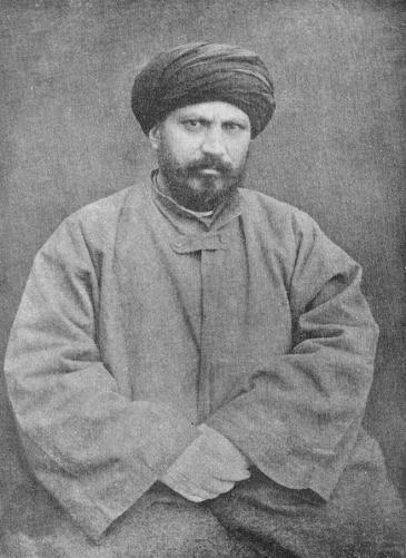في آواخر القرن التاسع عشر وأوائل القرن العشرين اعتقد الكثير من المفكرين المسلمين- وأشهرهم جمال الدين الأفغاني- أن تبني العديد من المثل العليا، التي تم تطويرها في الغرب خلال فترة التنوير هو الطريقة الوحيدة لتشجيع التقدم. لقد كتب الأفغاني وغيره أن رفض الإسلام للعلوم الغربية والتقدم هو تفسير خاطئ للقرآن الكريم.