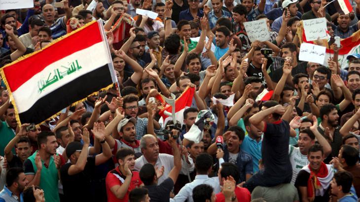 احتجاجات ضد الفساد وسوء الإدارة والطائفية في العراق. Foto: Reuters/M. Muhammed