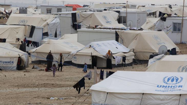لاجئون في مخيم الزعتري. Foto: Getty Images/AFP/K. Mazraawi