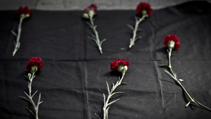 حزن بعد تفجيرات أنقرة.  (photo: picture-allinace/dpa/O.Orsal)
