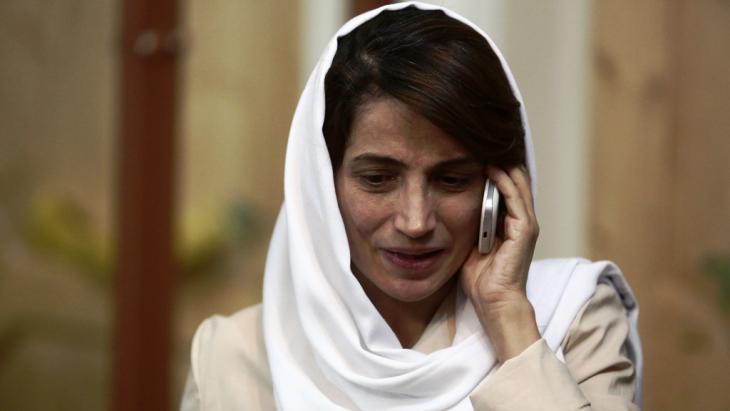 Irans Menschenrechtsaktivistin Nasrin Sotudeh; Foto:  picture-alliance/abaca/K. Farzaneh