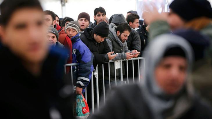 لاجئون في برلين. (photo: Reuters/F. Bensch)