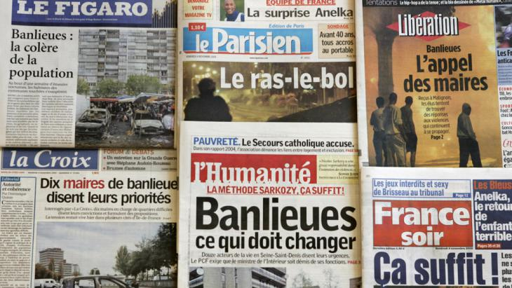 French dailies headline unrest in Parisian banlieues in 2005 (photo: GABRIEL BOUYS/AFP/Getty Images)