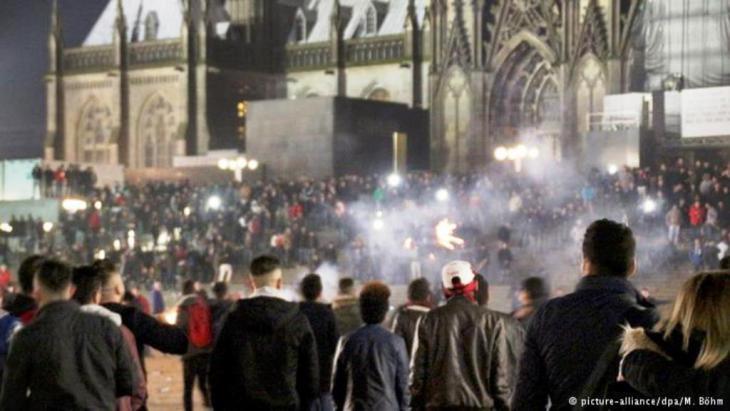 احتفالات رأس السنة الميلادية 2016 في كولونيا الألمانية.