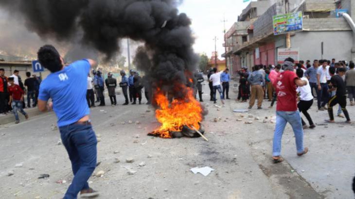 احتجاجات ضد البرزاني في السليمانية  10 / 10 / 2015. Picture alliance