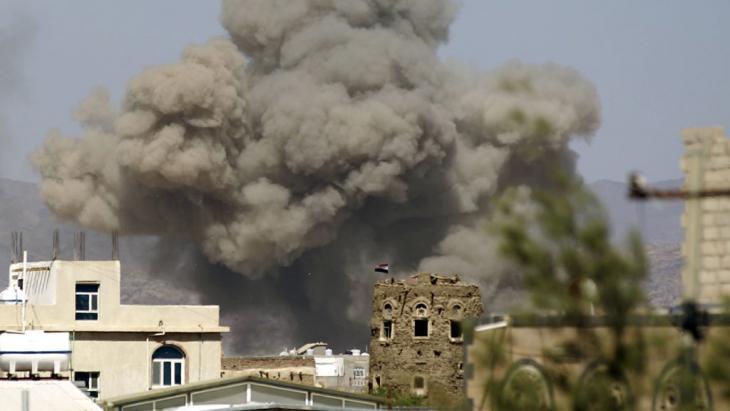 ضربات جوية للتحالف العربي بقيادة السعودية في اليمن. Foto: Getty Images/AFP/M. Huwais