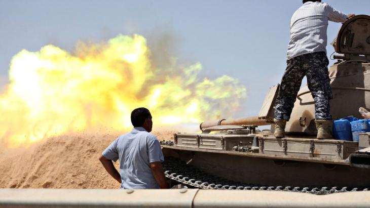 Kämpfe befeindeter Milizen westlich von Tripolis; Foto: Reuters