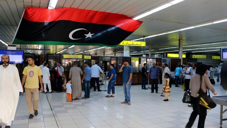 قاعة مدخل مطار معيتيقة العسكري الليبي. Foto: Reuters