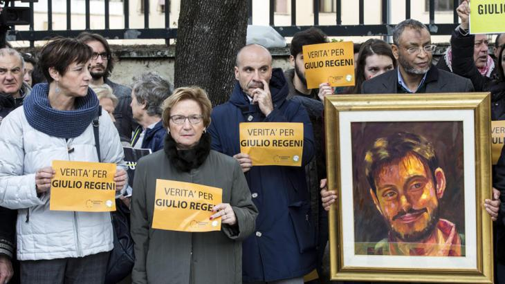 مظاهرة أمام السفارة المصرية في روما احتجاجاً على اختفاء طالب الدكتوراه الإيطالي جوليو ريجيني في مصر. Picture Alliance