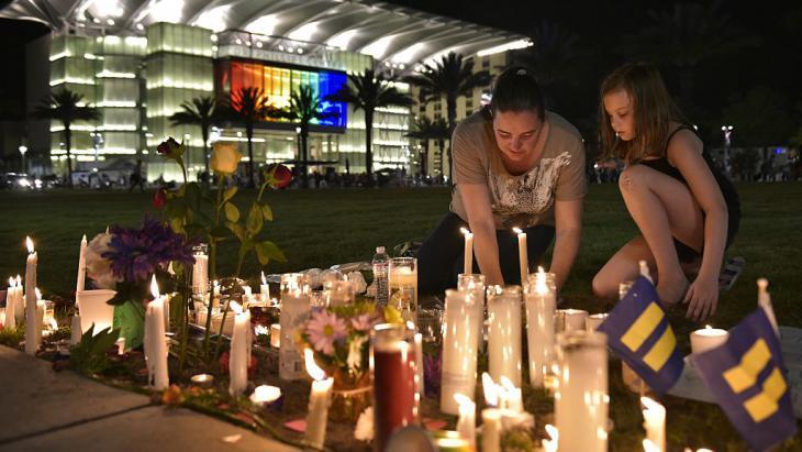 الحداد على ضحايا أورلاندو. Foto: Getty Images/AFP/ M. Ngan