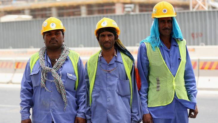 عمال مغتربون في الدوحة - قطر. Foto: Getty Images/W. Little