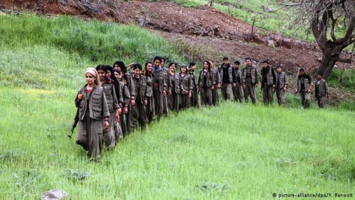 اعتبر أردوغان بعد بدء العمليات العسكرية وقصف مواقع حزب العمال الكردستاني بجبال قنديل في إقليم كردستان العراق، أنه لا يمكن متابعة عملية السلام مع الحزب الكردي واتهمه بالانفصالية واستهداف وحدة تركيا، ما يعني إنهاءه لعملية السلام مع الأكراد.