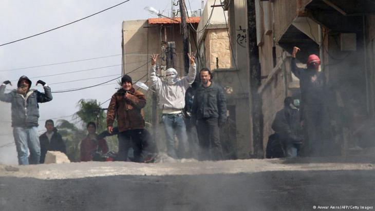 عندما بدأت الاحتجاجات ضد نظام الأسد، بدأت معها رحلة النزوح الثانية لعائلة محمد