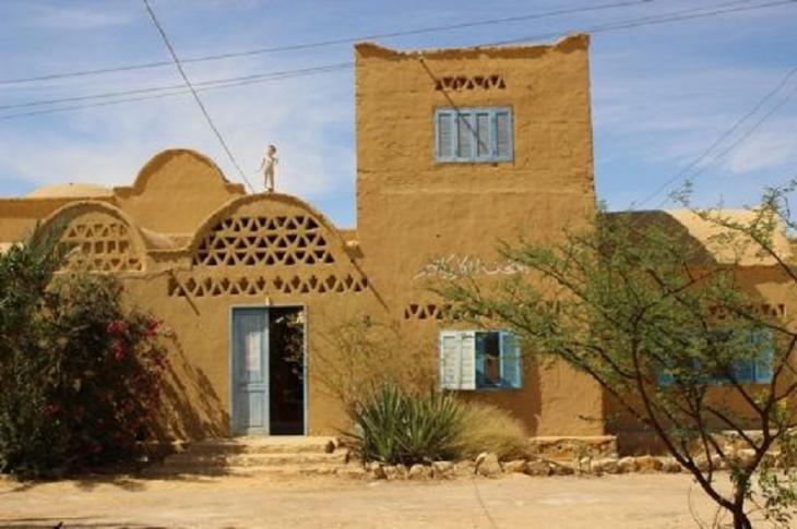 متحف الكاريكاتير الوحيد في أفريقيا على نمط المنازل الطينية. Bild: Goethe-Institut Kairo/ Sameh Fayez