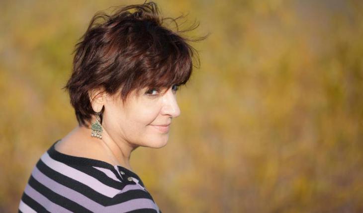 """إيمان حميدان كاتبة لبنانية معروفة صدرت مؤخراً روايتها """"خمسون غراماً من الجنة"""" عن دار الساقي في بيروت."""