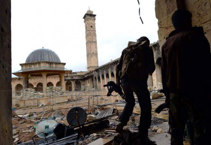الجامع الأموي (جامع النبي زكريا) في مدينة حلب القديمة بعد الدمار.