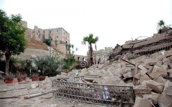 الأنقاض المحيطة بقلعة حلب. Foto Privat