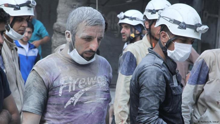 """فازت منظمة """"الخوذ البيضاء"""" السورية، التي تساعد ضحايا الحرب المدنيين، بـ""""جائزة نوبل البديلة""""، الصورة: رويترز"""