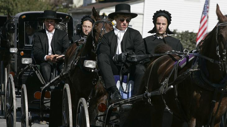 أعضاء من طائفة الأميش في بلدة بارت بولاية بنسلفانيا الأمريكية. Foto: Getty Images