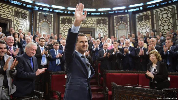الرئيس السوري حافظ الأسد