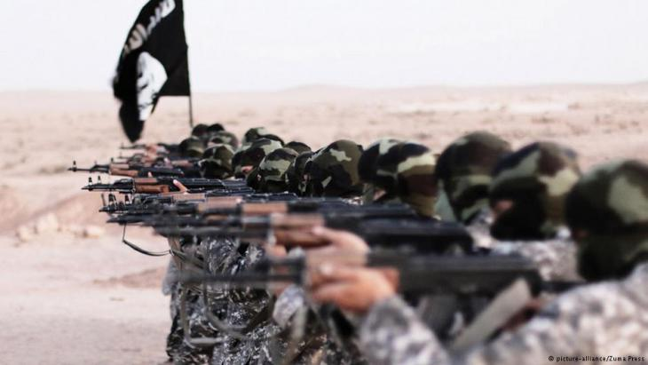 """عناصر من """"داعش"""" في سوريا"""