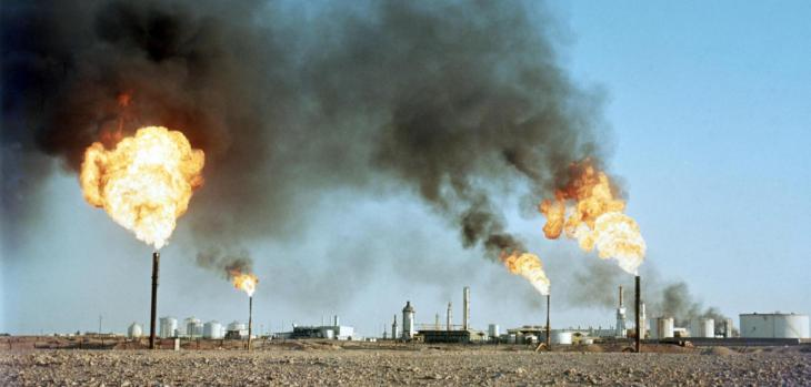 أحد مراكز صناعة النفط الجزائر. Foto: dpa/picture-alliance