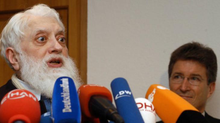 الفيلسوف والإمام والمعلـِّم سيد مهدي رضوي المتوفى عام 2013 . Foto: dpa/picture-alliance