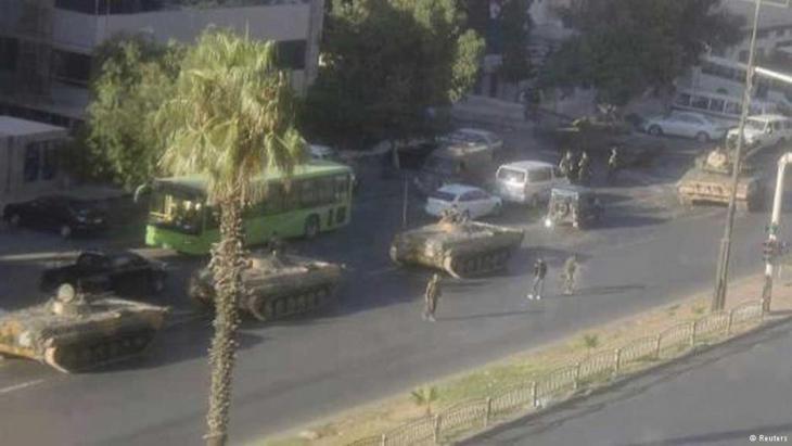 حضور قوي لجيش النظام السوري في حي المزة