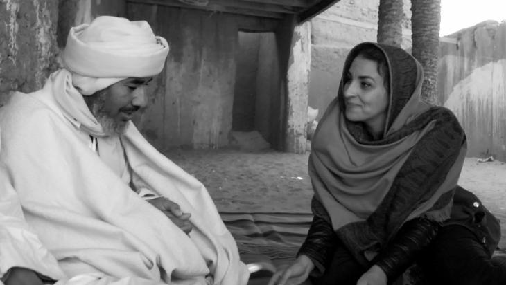 """صورة من فيلم """"تحقيق في الجنة"""" وهو فيلم للمخرج الجزائري مرزاق علواش. (Investigating Paradise; Les. Asphofilms/Baya Films)"""