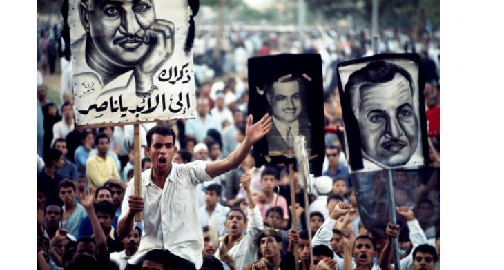 صورة بالألوان لجنازة عبد الناصر 1970- تصوير برونو باربي