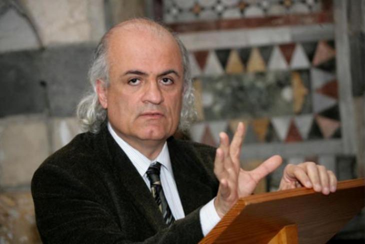 مؤرخ معماري ومعمار سوري، يشغل وظيفة أستاذ الآغا خان للعمارة الإسلامية في معهد ماساتشوستس للتكنولوجيا (MIT)  في كامبردج، بولاية ماساتشوستس في الولايات المتحدة الأمريكية. hgw
