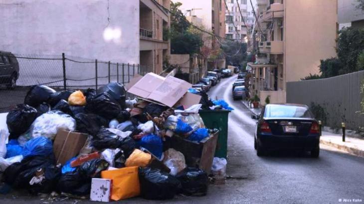 أكوام النفايات في شوارع لبنان. Foto: Alice Kohn