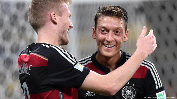 Mesut Özil während eines WM-Länderspiels in Brasilien im Jahr 2014; Foto: picture-alliance