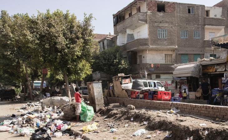تعاني المناطق المحيطة بالقاهرة من فقر مدقع. حيث يضطر ربع الناس المقيمين هناك إلى الاكتفاء بأقل من دولارين في اليوم. Foto: Flemming Weiß-Andersen
